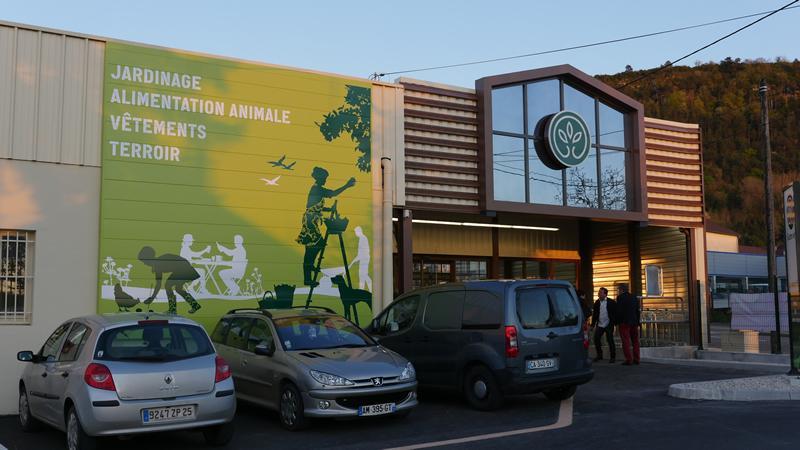 Le nouveau magasin Gamm Vert de Poligny inauguré