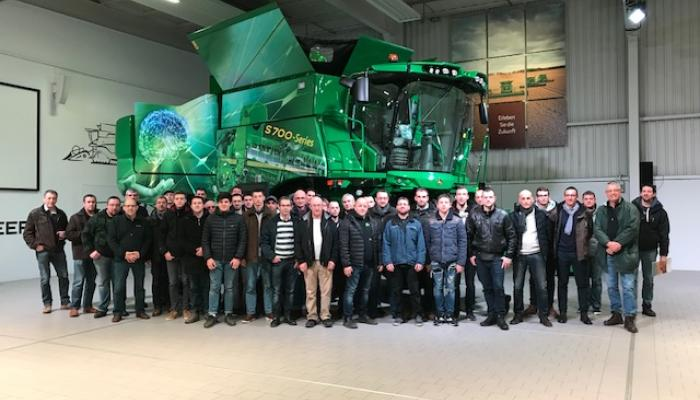 Une centaine d'adhérents et de clients Gauvain de l'ensemble de la région Franche Comté et Bourgogne  ont eu le plaisir de découvrir  et visiter  3 usines John Deere ces dernières semaines.